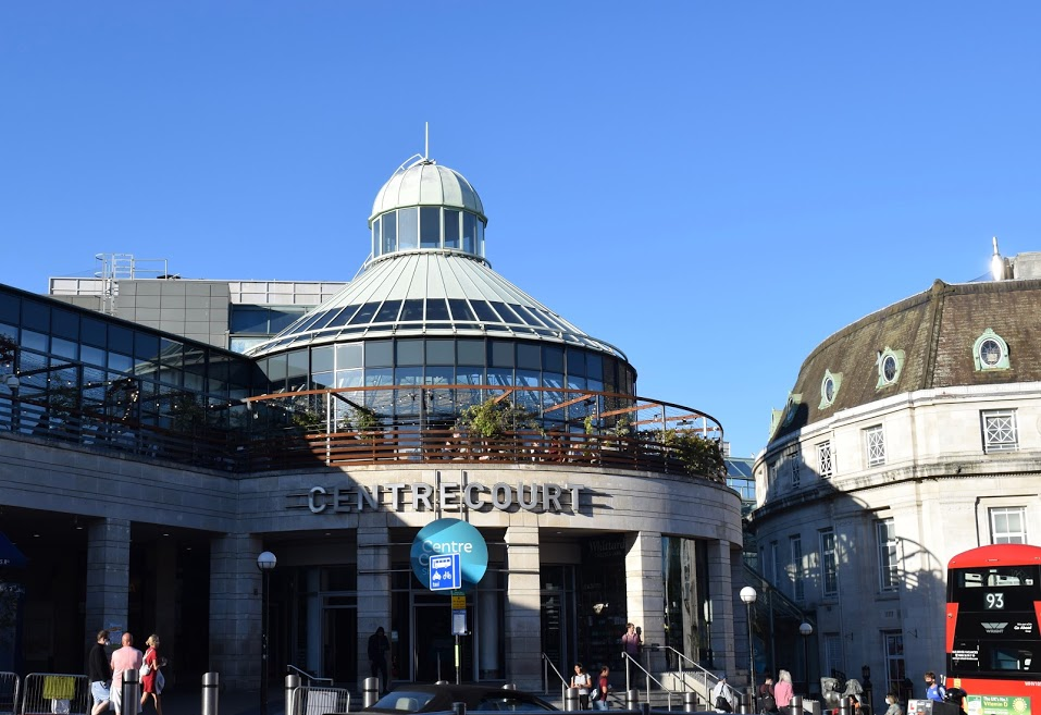Centre Court shopping